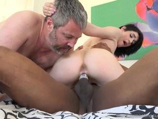 Изменила мужу с соседом
