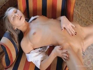 Красивые голые девушки интим