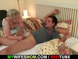 Изменил своей жене а жена застукала его порно