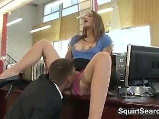Интим с секретаршей в офисе
