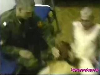 Русское интим видео парень соблазнил девушку и трахалее всю ночь