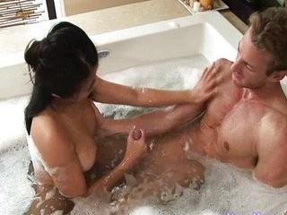 Смотреть интим массаж для жены ко дню рождения
