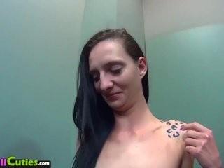 Уговорил интимный массажа а после секс