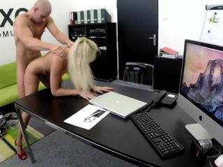Кастинг секретарш с интимом