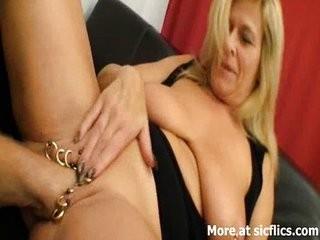 Видео интимный пирсинг у пожилых дам