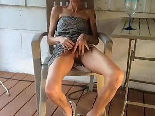Жена в юбке интим