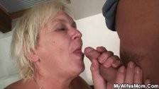Будущая мать в интиме с лысым кобелиной