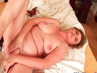 Девушки голые небритые киски вагины интим