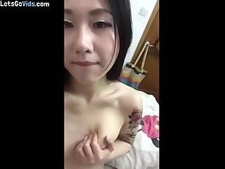 Красивая голая девушка интим