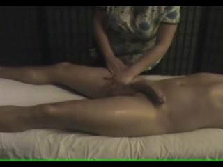 Интимный массаж видео онлайн скрытая камера